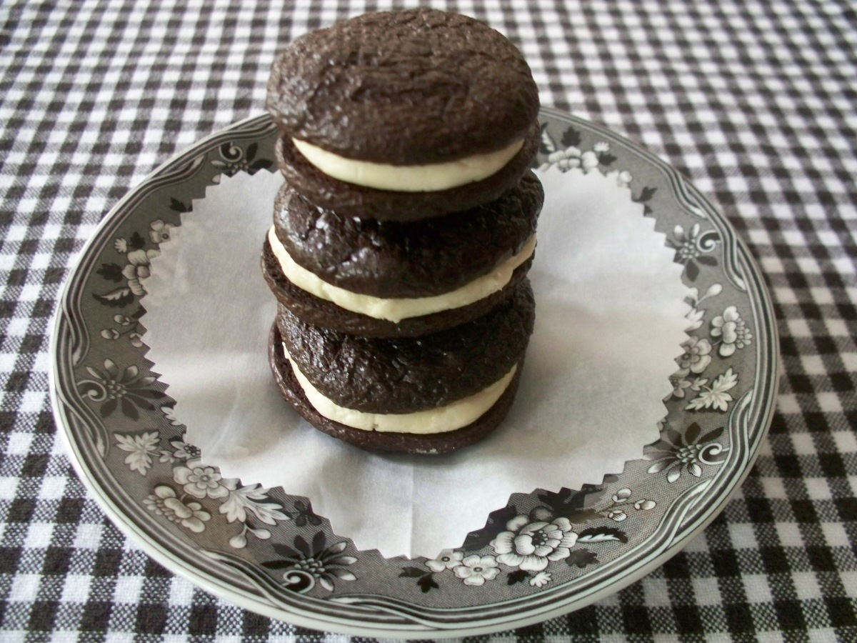Flourless Fudge Cookies with Opera Cream Filling