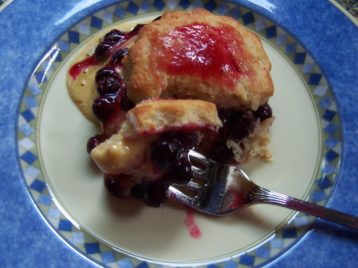 Biscuits Blueberry Jam Vanilla Sabayon