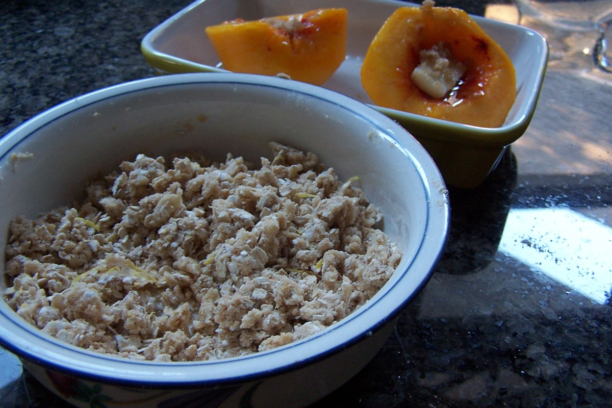 Quick Peach Crumble