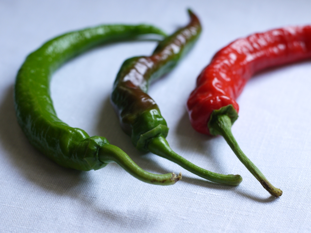 green to red peppers