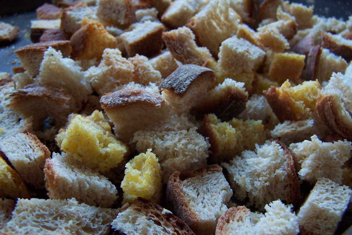 Dried Bread Cubes