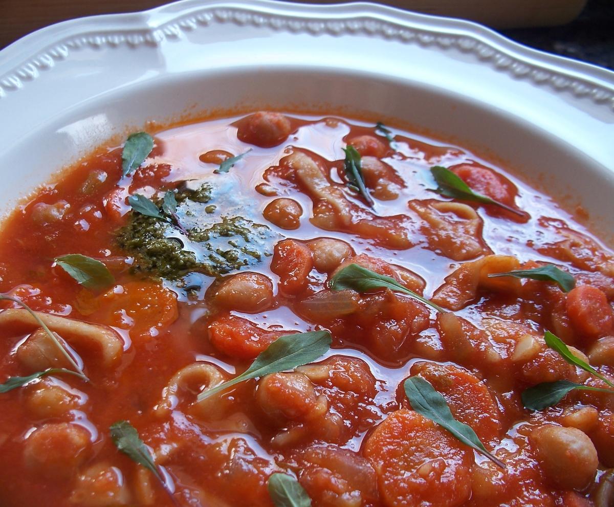 closeup pasta e fagioli