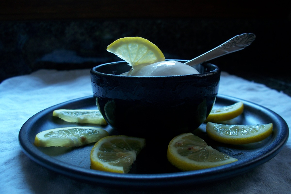 lemon-frozen-yogurt