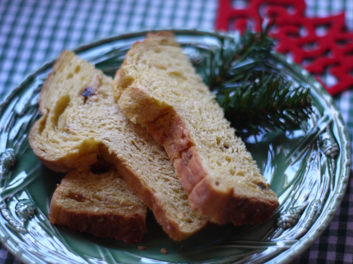 plate-panettone