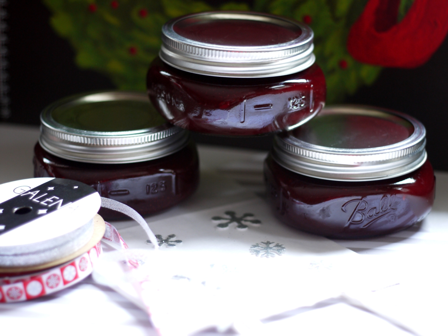 giftwrapping raspberry jam