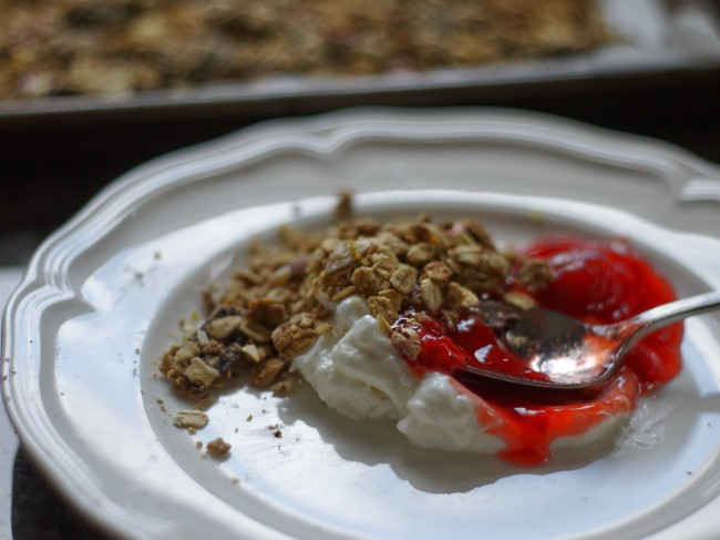 granola with yogurt and jam