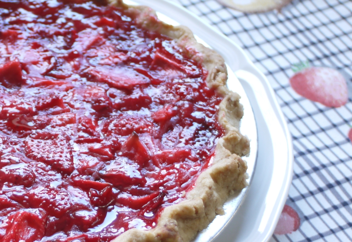 strawberry pie closeup